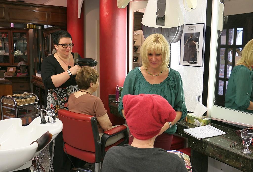 Modische Schnitte & Farben im Salon Beauty Hair
